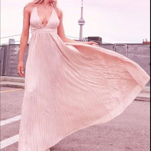 Flowy dress - M Boutique ✨